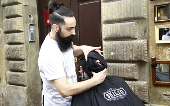 BARBER CELEBRATION A ROMA CON ANTIGA BARBEARIA DE BAIRRO